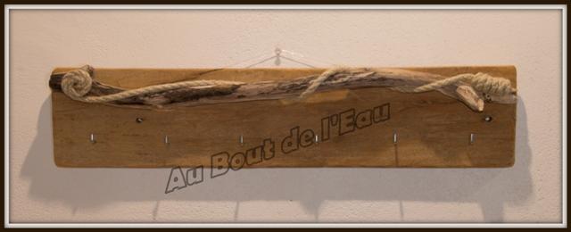 Porte Clés, torchons, colliers... (50 x 15 cm)