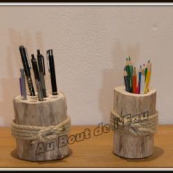 Pots à crayons dispo